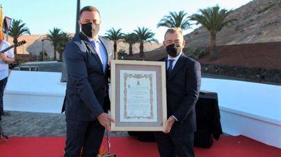 Una plaza de Yaiza en Lanzarote rinde homenaje a Naviera Armas