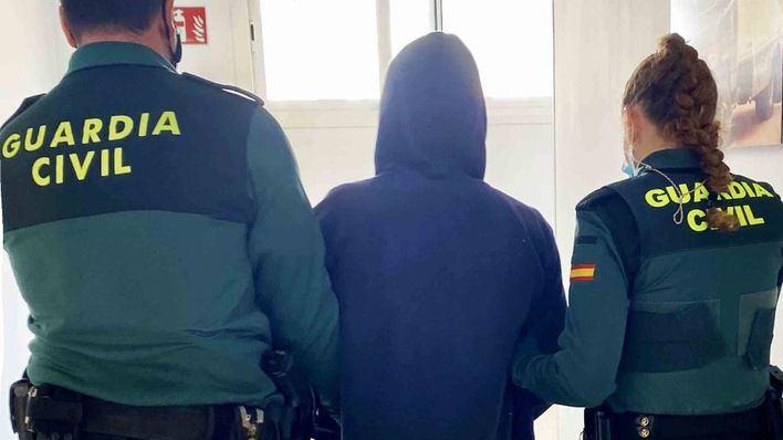 Detenido con drogas el conductor de una furgoneta que transportaba turistas