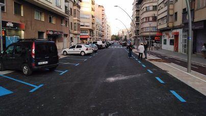 La calle General Ricardo Ortega de Palma reabre al tráfico tras su reurbanización