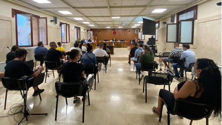 Mafia okupa: sólo dos de los 23 miembros de 'Los Pelúos' declaran ante el tribunal