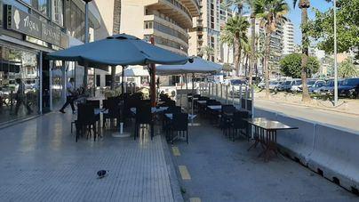 Las terrazas en la calzada del Paseo Marítimo se salvan del cierre masivo decretado por Cort