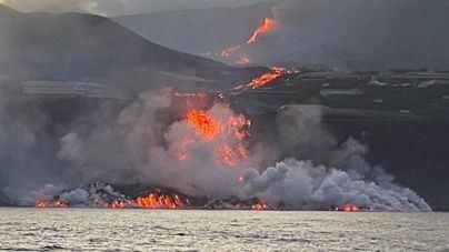 EN DIRECTO | Los expertos afirman que tras llegar la lava del volcán al mar