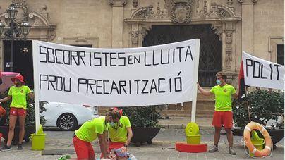 'En las playas de Palma permiten que haya un solo socorrista para 2.000 personas'