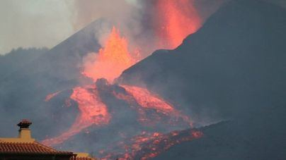 EN DIRECTO | El cono del volcán de La Palma se derrumba y aumenta el caudal de lava