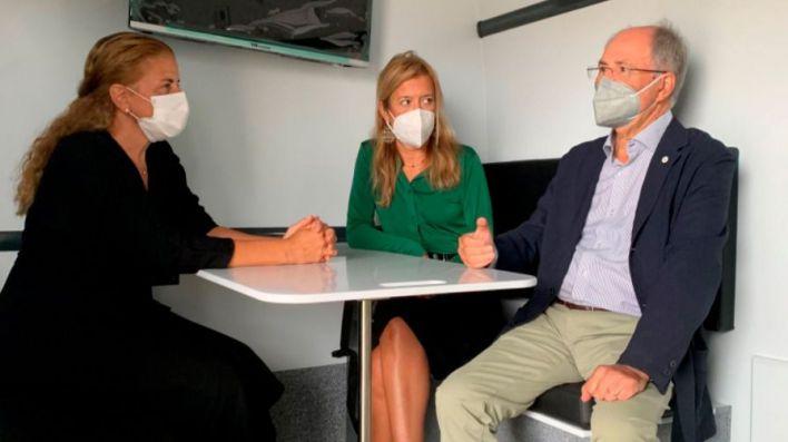 Creu Roja incorpora un vehículo oficina de atención móvil, de la mano de Caixabank
