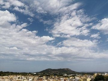 Cielos cubiertos con lluvias ocasionales en Mallorca