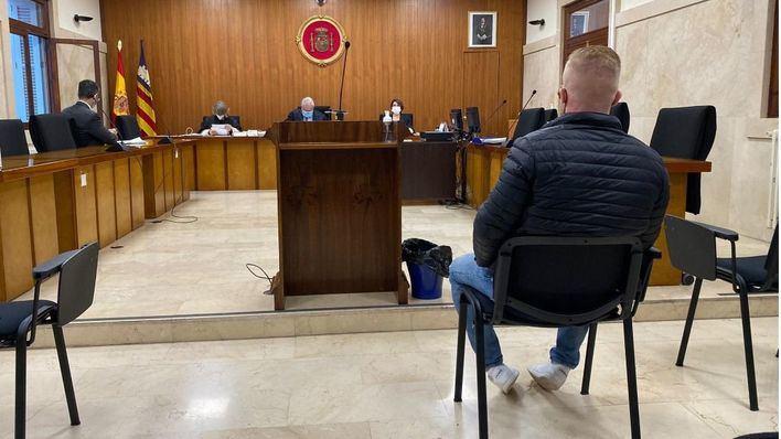 Condenado a cuatro años de prisión por violar a una mujer en un hotel de Palma