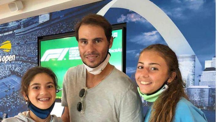 Vittoria y Carola, las tenistas italianas que se hicieron virales durante la pandemia, se ejercitan en la Rafa Nadal Academy