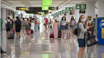 Los acompañantes ya pueden acceder a la terminal del aeropuerto