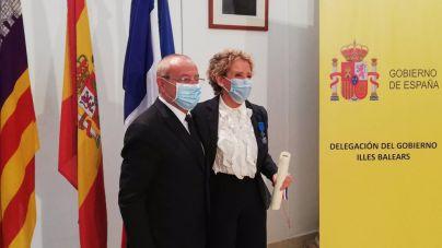 Francia condecora a Aina Calvo