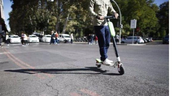 Detenido un joven tras ser acusado de arrollar a un peatón con un patinete eléctrico