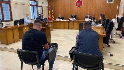 Dos acusados de violar por turnos a una chica en Génova niegan la agresión
