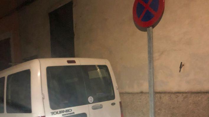 Muro: Vehículos mal aparcados que el alcalde tolera