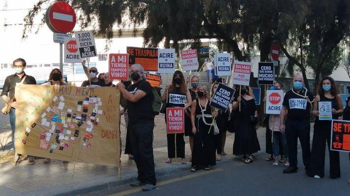 Comercios y vecinos inician hoy una campaña contra la política de movilidad de Cort