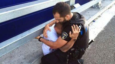 70 agentes de policía, bomberos y sanitarios se forman para evitar suicidios