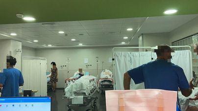 Pacientes de Son Espases permanecen en camilla desde hace más de dos días por falta de camas