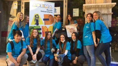 Estudiantes de Adema Higiene Dental salen a la calle para fomentar los hábitos saludables