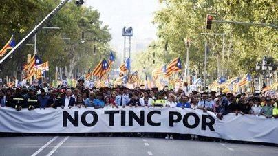 Instituciones y partidos de Eivissa participan en la multitudinaria manifestación de Barcelona
