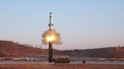 Corea del Norte lanza un misil balístico que podría haber llegado a EEUU
