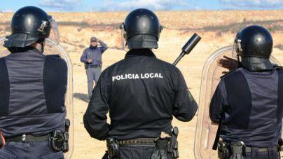 Guanyem Eivissa critica que se enseñe material antidisturbios de la Policía Local a los niños