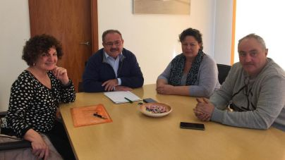 'Prou!' se reúne con Antoni Marí, preocupados por el hotel del grupo Six Senses