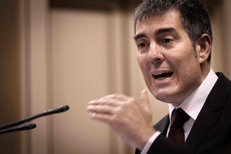 Clavijo reclama a Fomento la tarifa plana que ha prometido a Baleares