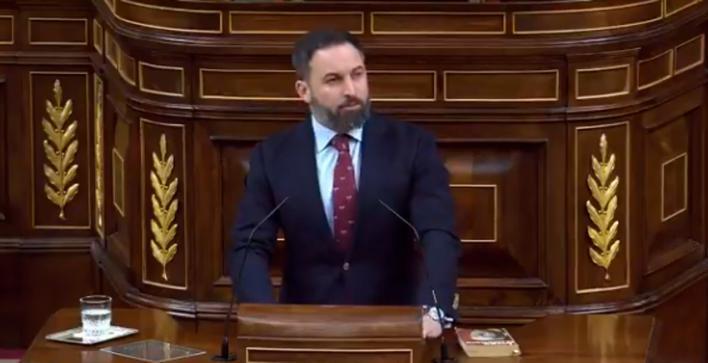 Abascal arremete contra el Gobierno 'ilegítimo' de Sánchez, que nace con el 'beneplácito' de ETA
