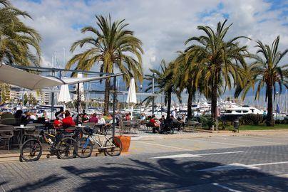 La APB reduce las tasas a las terrazas de bares y restaurantes