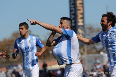 El Atlético Baleares vence al Villarreal y sigue líder