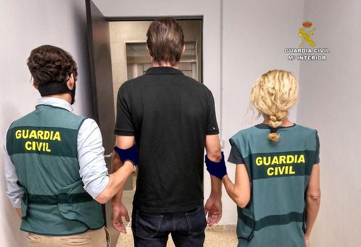 Detenido un suizo en el aeropuerto de Palma acusado de abusar sexualmente de dos menores