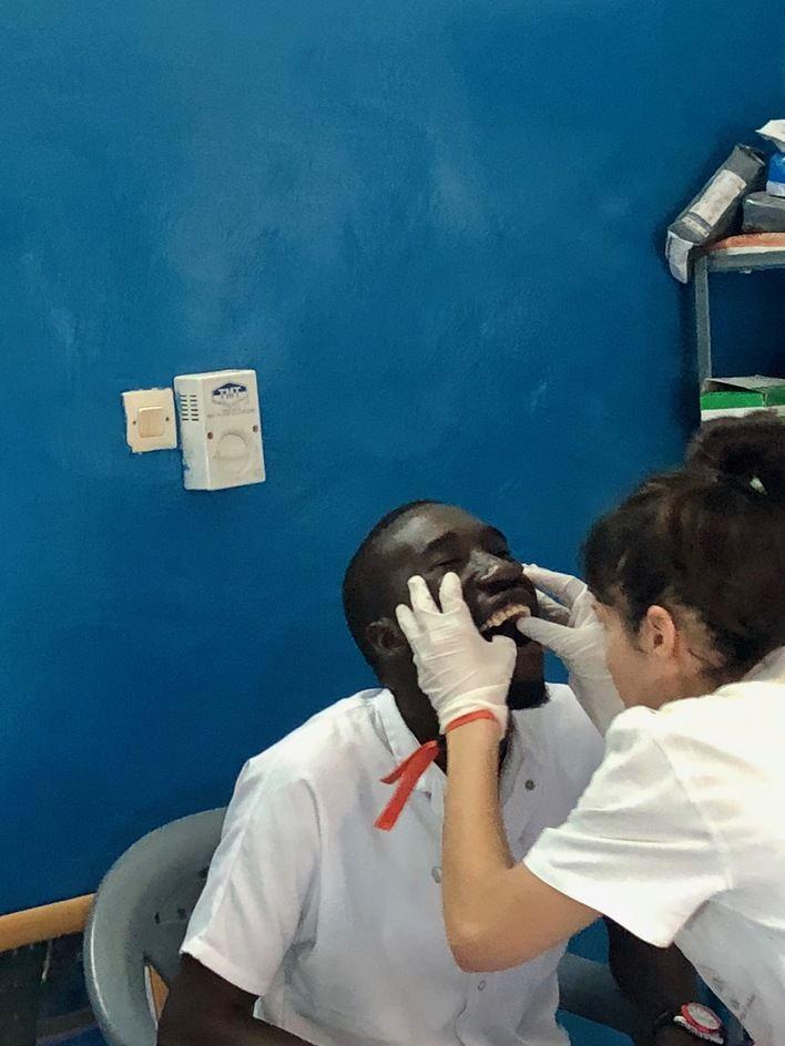 Voluntarios de Adema devuelven la sonrisa a más de 1.000 pacientes en Senegal