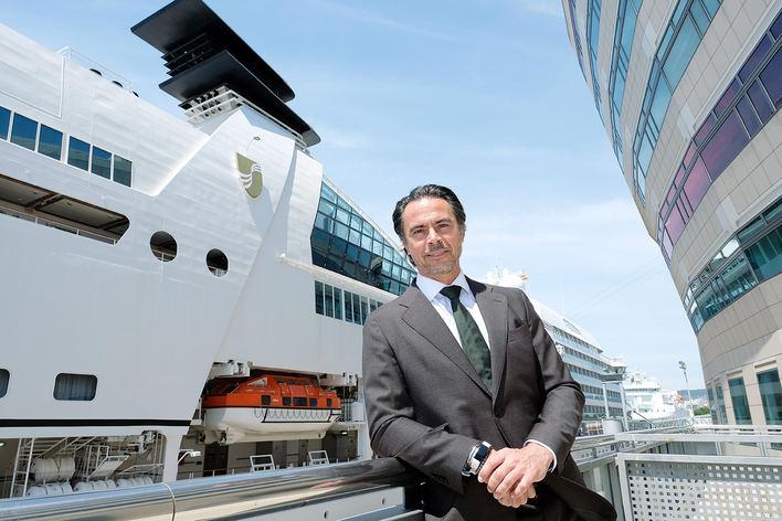 'Se intenta focalizar en los cruceros la masificación turística'