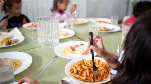 El 94 por ciento de los padres creen que la alimentación en las escuelas es mejorable