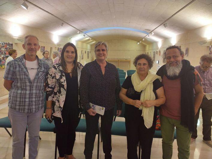 Andratx y Deixalles inauguran en la localidad la exposición 'Detrás del objetivo… tu mirada'