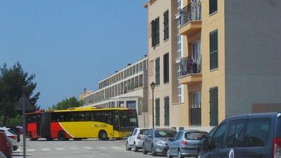 Andratx reduce el precio del billete de autobús de sus estudiantes