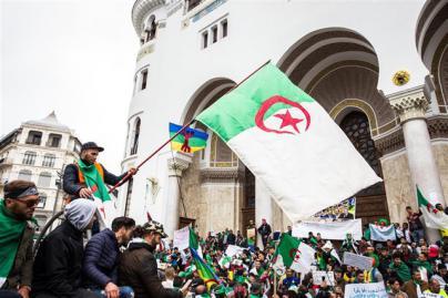 El pueblo y el Ejército obligan a Buteflika a renunciar como presidente de Argelia