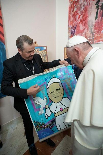 El Papa Francisco recibe en audiencia al artista ibicenco Moi Berlanga