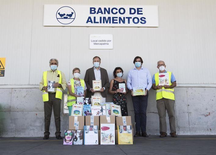Bankia entrega 460 libros al Banco de Alimentos de Mallorca para familias con hijos en edad escolar