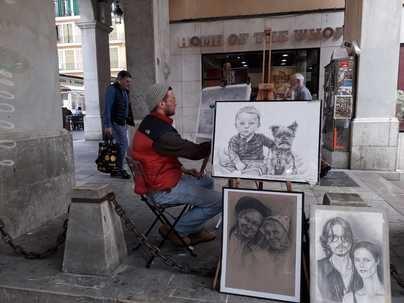 Cien euros al año para Cort a cambio de ganarse la vida en las calles de Palma