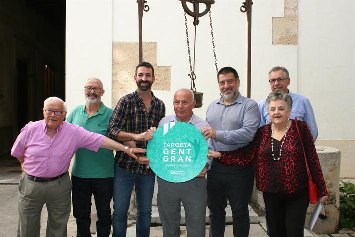 Abierta la campaña para que los comercios se adhieran a la tarjeta Gent Gran