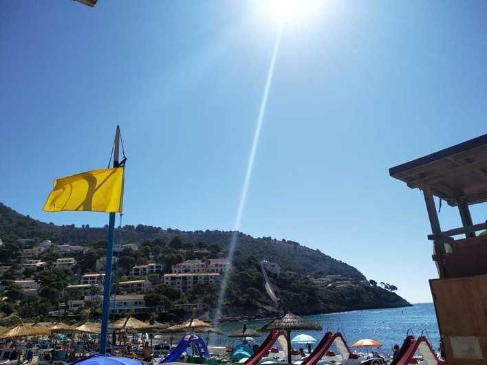 Capdepera iza la bandera amarilla de forma indefinida en la playa de Canyamel por los efectos de los temporales