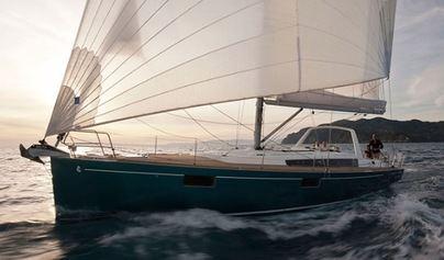 Destinos que no puedes perderte al navegar por Mallorca