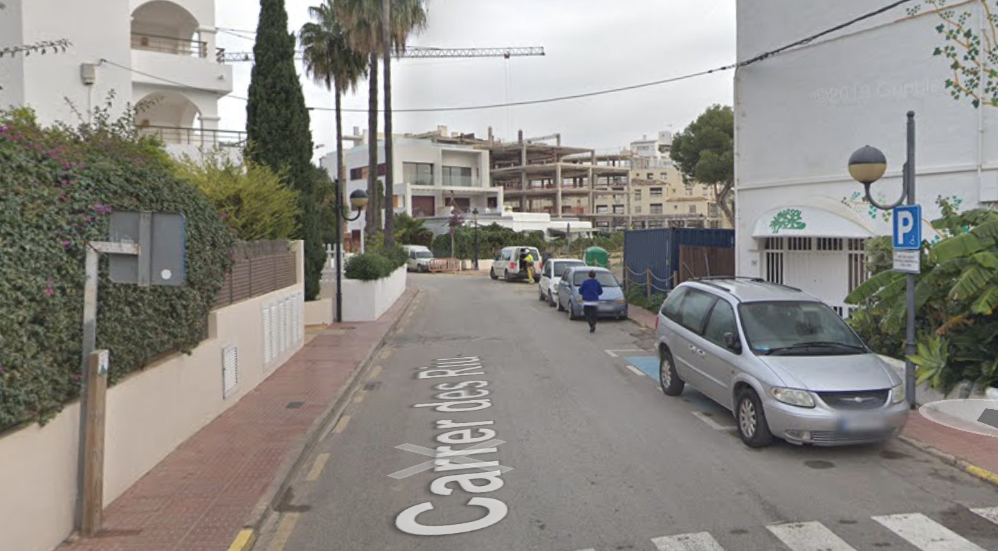 Muere una ciclista al ser atropellada por un autobús en Santa Eulária