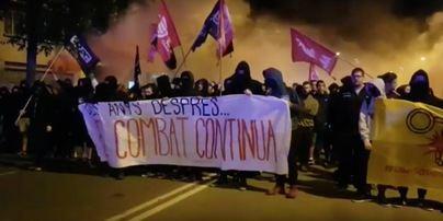 Aniversario 1-O: Concentración independentista frente a la Guardia Civil bajo el lema