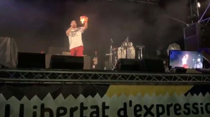 Vox denuncia al Govern en Fiscalía por la quema de una bandera española en el MUR Festival