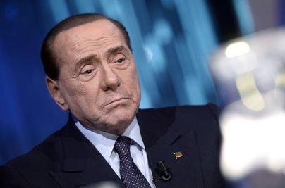 Silvio Berlusconi, ingresado en un hospital de Milán tras dar positivo