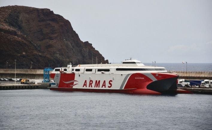 Armas Trasmediterránea divulgará el silbo de El Hierro a bordo de sus buques con una exposición