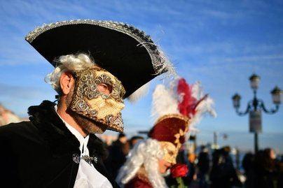 El brote de coronavirus obliga a suspender el Carnaval de Venecia y cancelar los eventos en La Scala de Milán