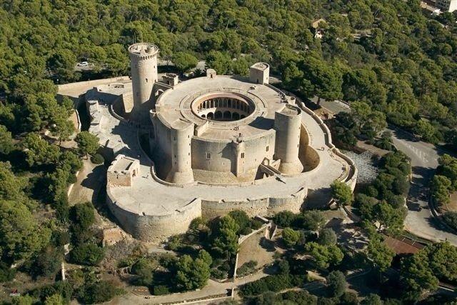 El nuevo alumbrado del Castell de Bellver contará con 165 proyectores de bajo consumo