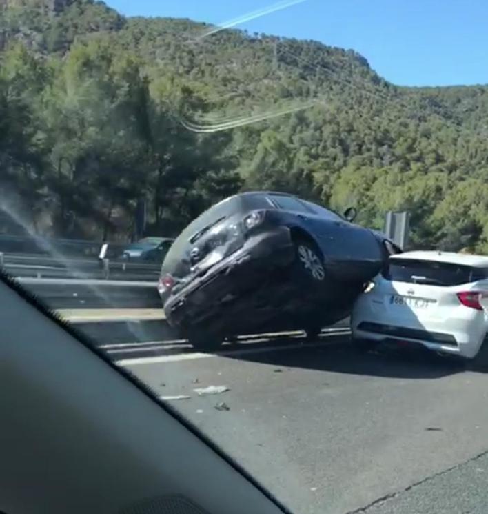 Un choque en cadena colapsa la autopista de Andratx